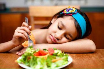 trẻ chán ăn