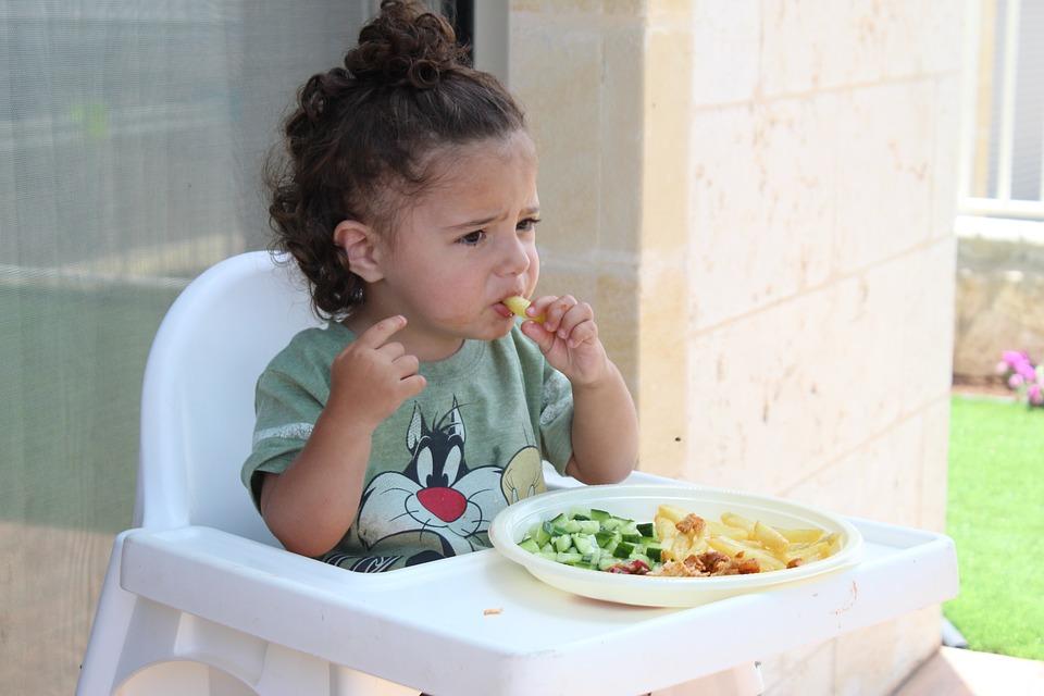 làm gì khi trẻ biếng ăn