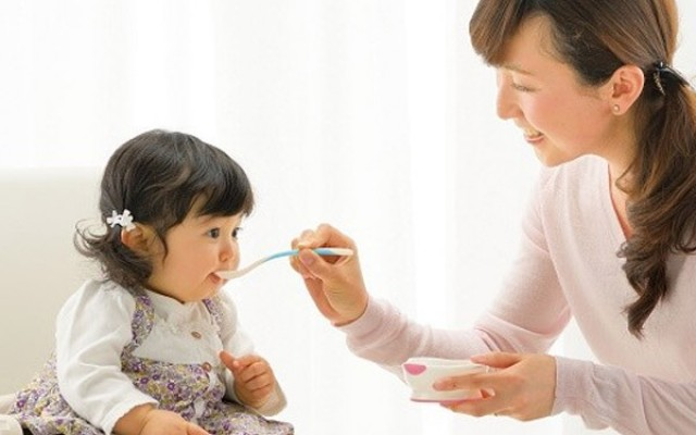 Trẻ biếng ăn chậm lớn phải làm sao?