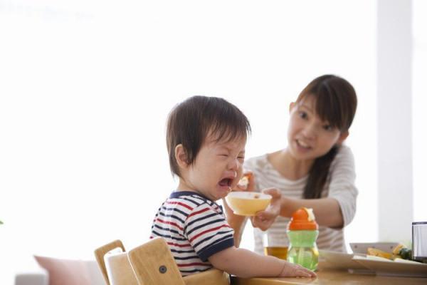 Nguyên nhân trẻ biếng ăn chậm lớn