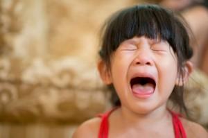 Dọa dẫm trẻ khi ăn nguyên nhân hàng dầu gây biếng ăn ở trẻ