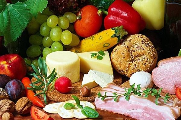 Cần đa dạng thực đơn để trẻ hết biếng ăn