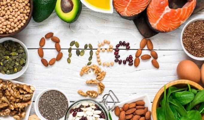 Bổ sung omega-3 từ những thực phẩm như các loại cá, hạt