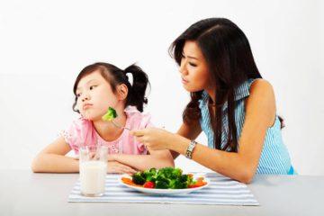 Trẻ dễ biếng ăn khi giao mùa