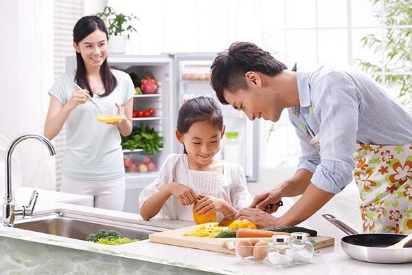 cách giúp trẻ hết biếng ăn