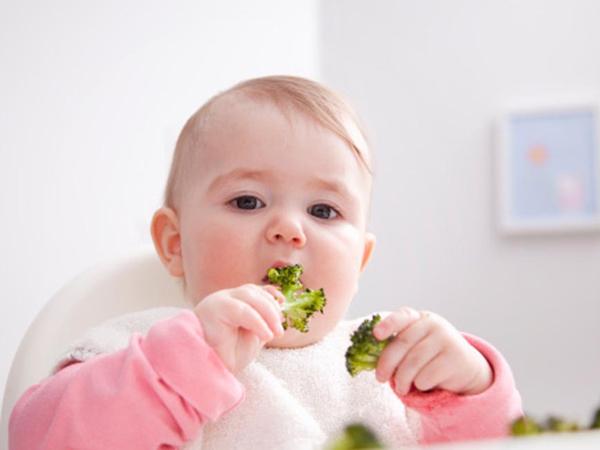cân nặng chuẩn của bé 8 tháng