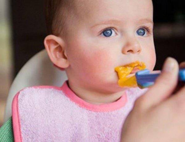 Làm thế nào để trẻ ăn không ngậm