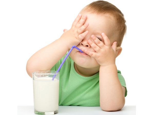 Sữa cho bé biếng ăn