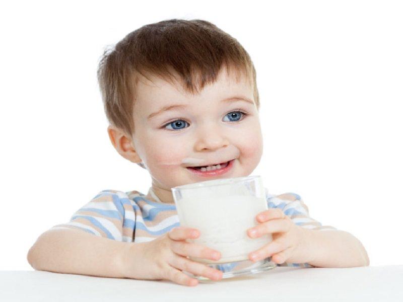 Sữa cho bé biếng ăn chậm tăng cân trên 1 tuổi