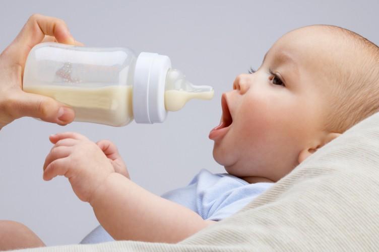 Sữa dành cho bé biếng ăn chậm tăng cân