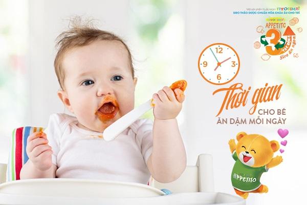 Bảng thời gian cho bé ăn dặm trong ngày theo từng tháng
