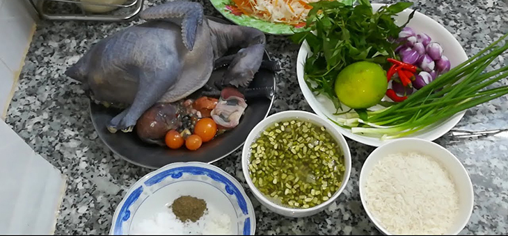 Món cháo gà ác đậu xanh bổ dưỡng