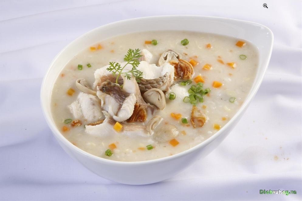Cách làm món cháo cá chép nấu hạt sen kích thích vị giác của bé