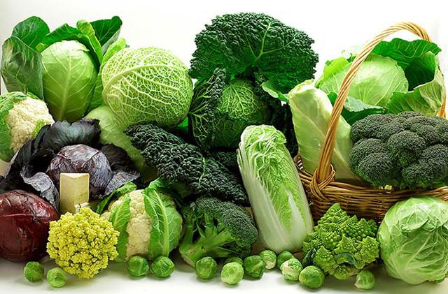 Cháo lươn nấu với rau cải xanh