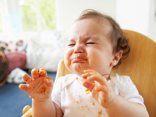 Trẻ 9-10 tháng biếng ăn phải làm sao?