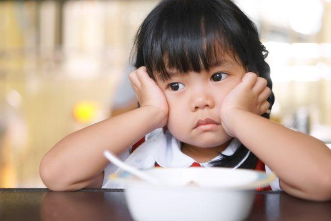 Trẻ biếng ăn dễ bị thiếu hụt chất dinh dưỡng