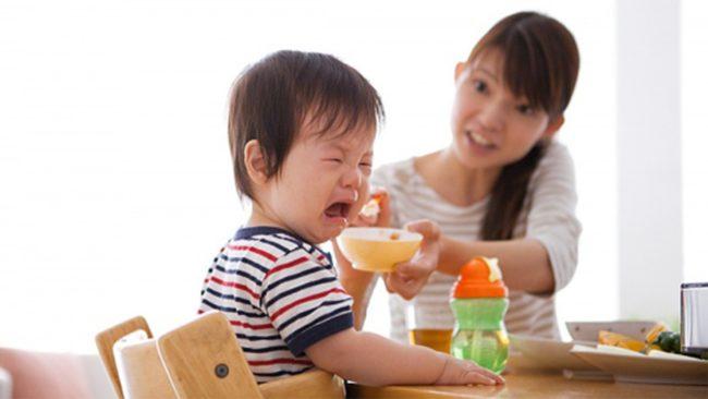 Trẻ dễ bị thiếu kẽm, vitamin vì biếng ăn