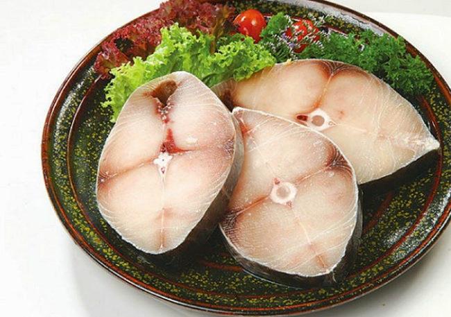 Cá thu chứa nhiều chất dinh dưỡng cho trẻ
