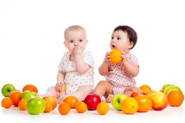 Rau củ quả cung cấp nhiều chất dinh dưỡng cho trẻ tháng tuổi