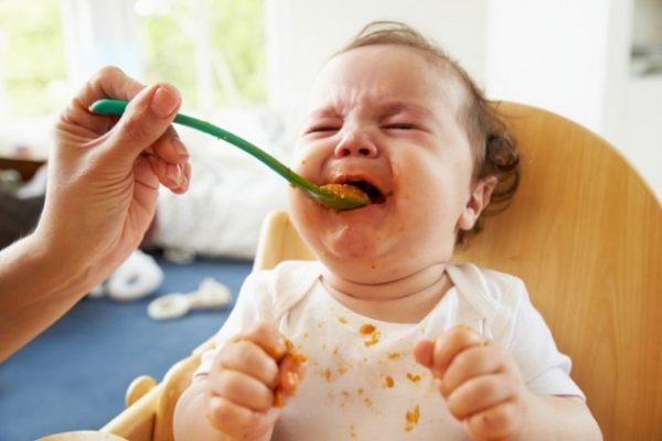 Bố mẹ đừng ép trẻ ăn món trẻ không thích