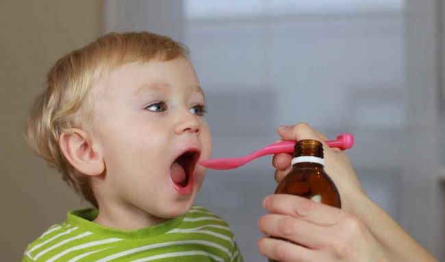 Trước khi cho trẻ uống phải xin ý kiến và chỉ định của bác sĩ.