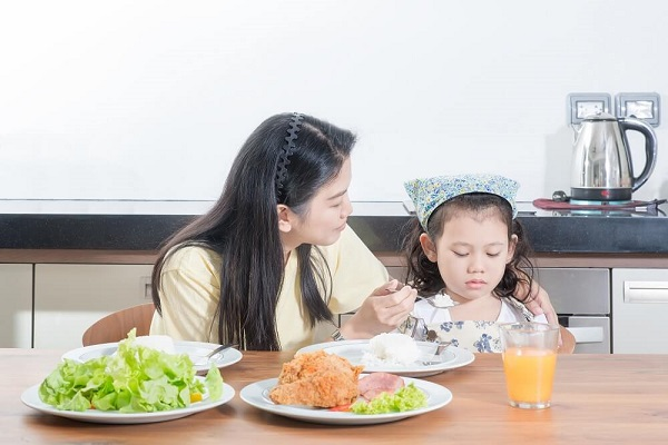 Biếng ăn vào ngày nắng nóng có thực sự kinh khủng?